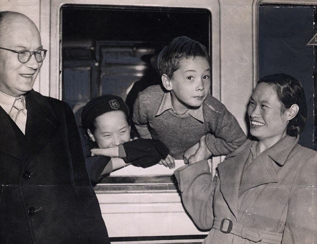 The Hon Michael Lindsay (died February 1994) with his wife Hsiao